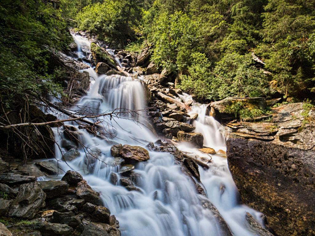 Langzeitbelichtung Wasserfall